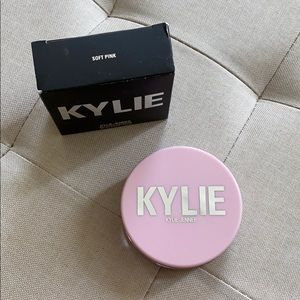 Soft Pink Loose Setting Powder Kylie Cosmetics